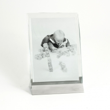 "4""x6"" Picture frame."